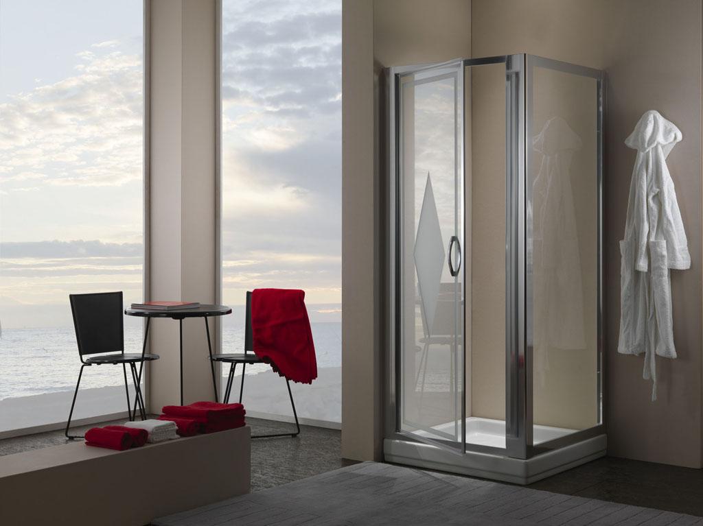 Bagno moderno con cabina doccia e porta in vetro interior - Doccia design moderno ...